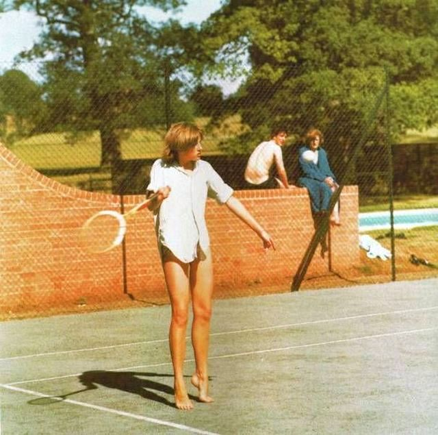 1976_princess_diana_playing_tennis_as_a_teenager.jpg