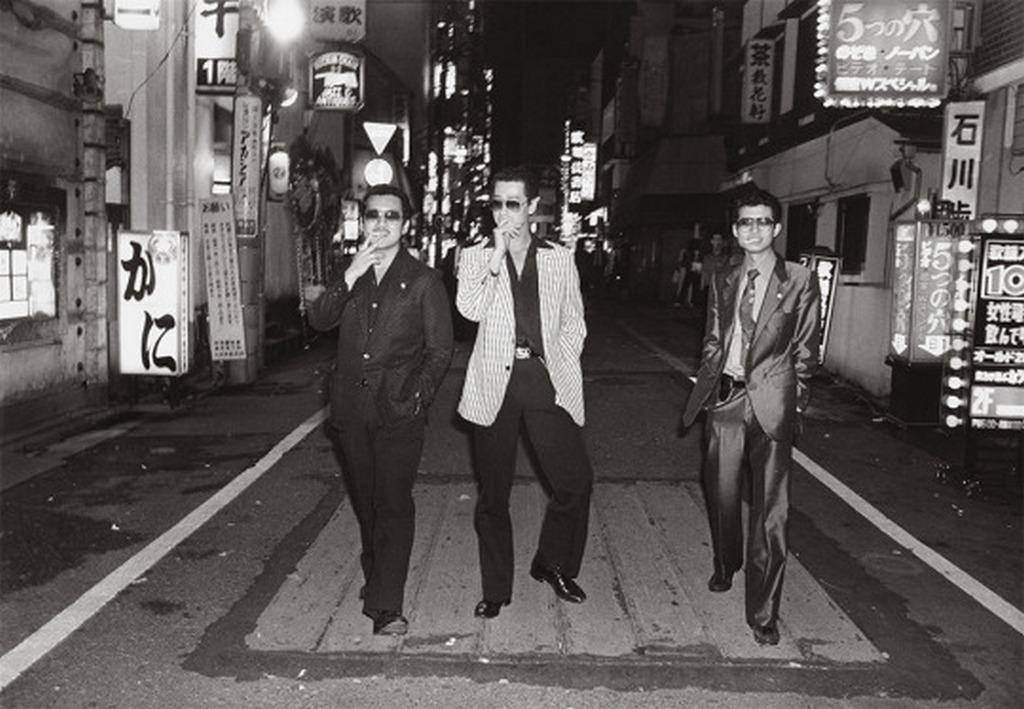 1970_tokio_piros_lampas_negyedenek_a_kabukicho-nak_gengszterei.jpg