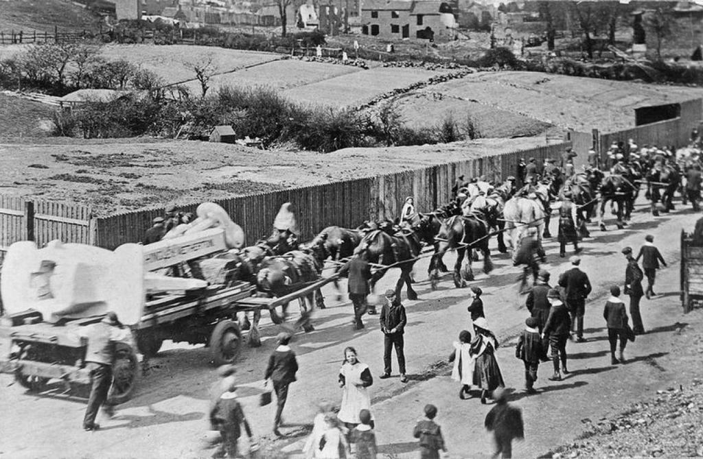 1911_szallitas_horgony_titanic_1911-ben_dudley.jpeg