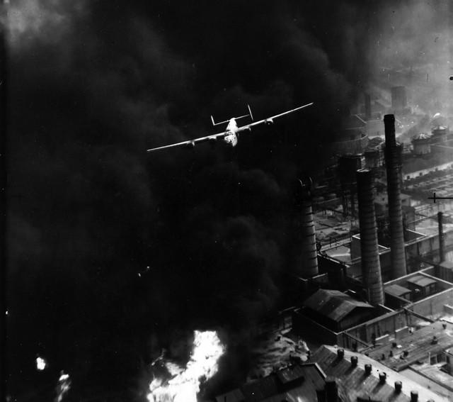 1943_augusztus_1_amerikai_bombazo_b-24_liberator_ploiesti_romania.jpeg