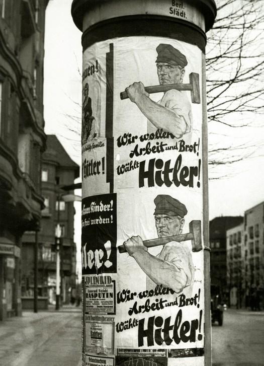 1932_valasztasi_kampany_plakatok_adolf_hitler_berlin.jpeg