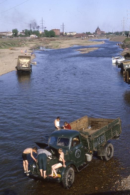 1965_irkutszki_automoso_szovjetunio.jpeg