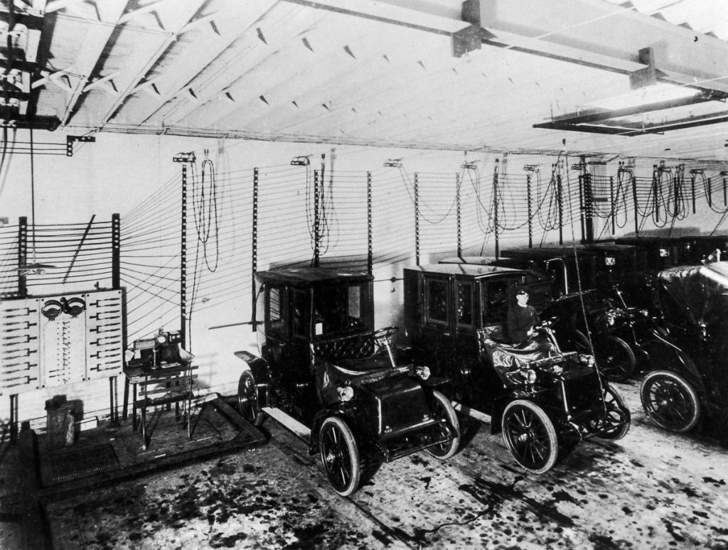 1909_elektromos_autok_tolton_usa.jpeg