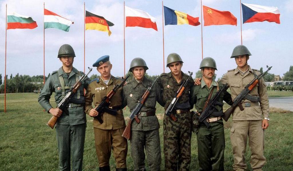 1984_a_varsoi_szerzodes_orszagainak_katonai_ki_tudja_melyik_honnet_jott_melyik_orszag_hianyzik_a_keprol.jpeg