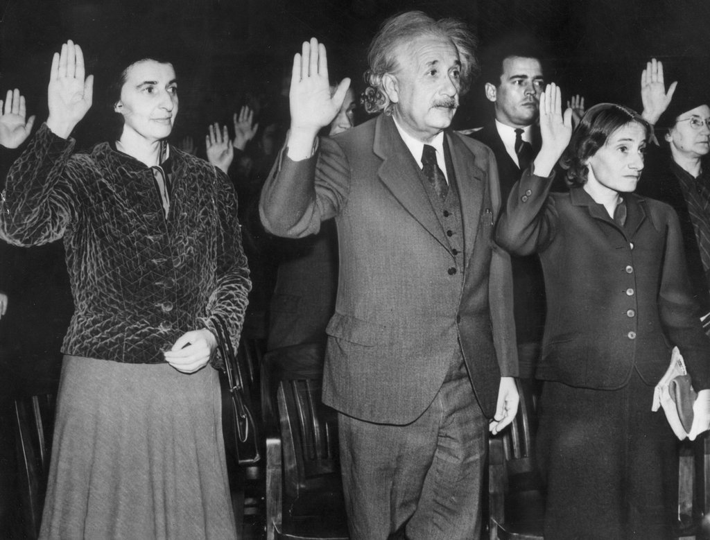 1940_albert_einstein_his_secretary_helen_left_and_daughter_margaret_right_becoming_u_s_citizens_to_avoid_returning_to_nazi_germany.jpg