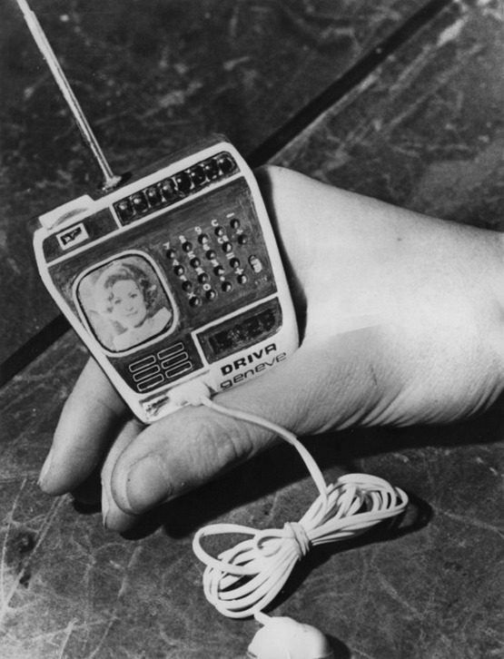 1976_watch_made_by_driva_geneve_of_switzerland_incorporating_a_tv_radio_and_calculator.jpg