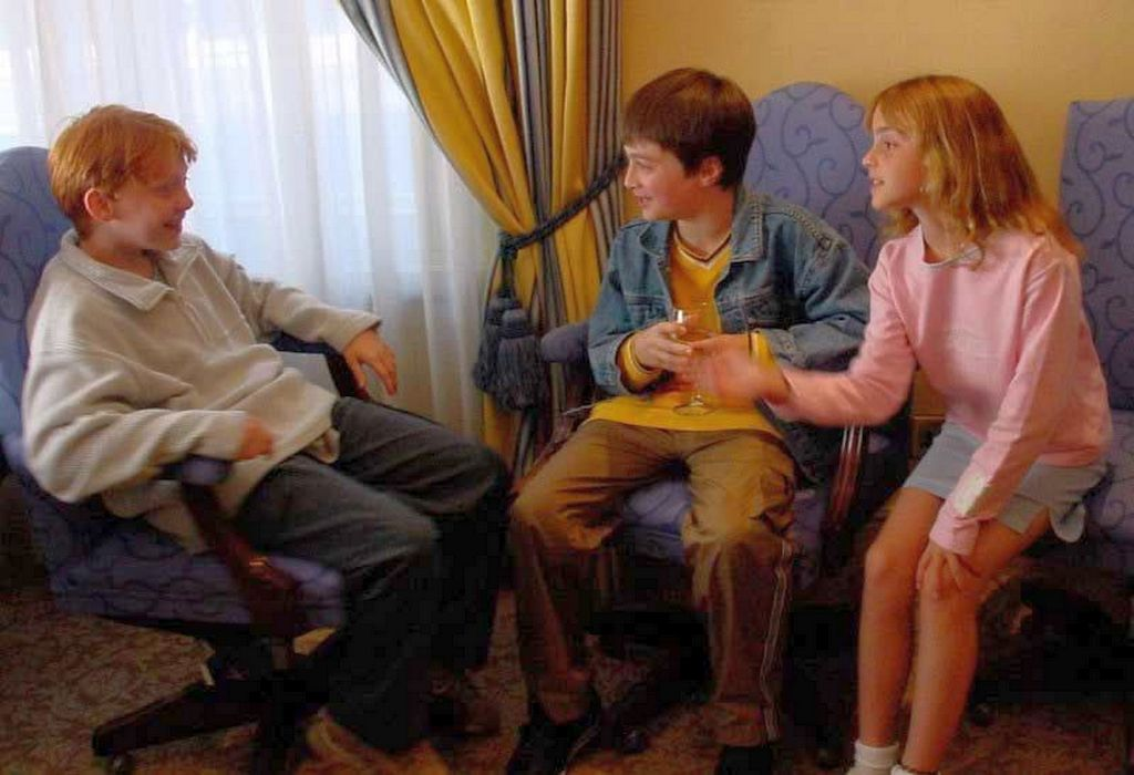 2001_rupert_grint_daniel_radcliffe_and_emma_watson_meeting_for_the_first_time_after_being_cast_in_harry_potter.jpg