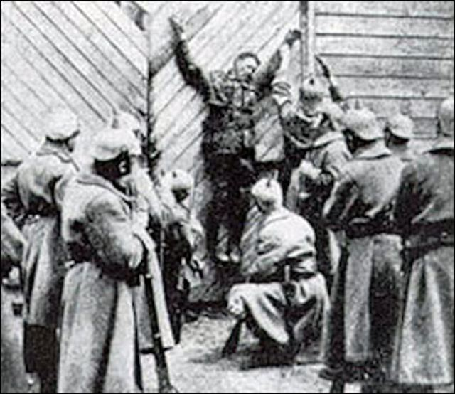 1918_still_from_the_prussian_cur_propaganda_movie.jpg