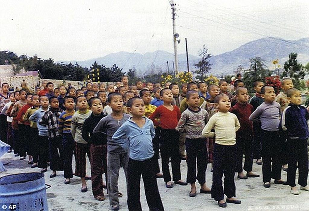 1986_gyermekek_munkatabor_puszan_del-korea.jpeg