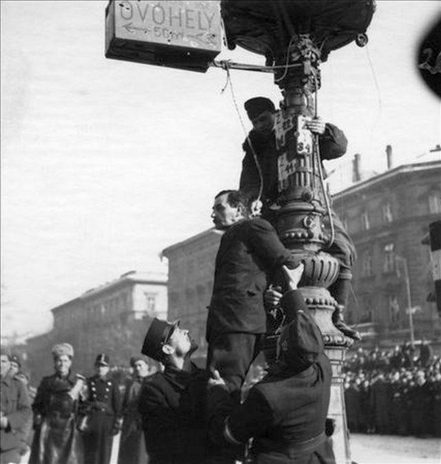 1945_januar_rotyis_jozsef_fotorzsormester_volt_keretlegeny_nyilvanos_kivegzese_az_oktogonon_1945_januarjaban_major_akos.jpg