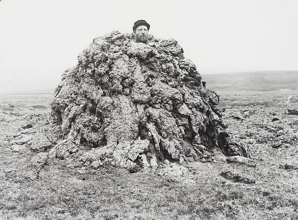 1893_a_man_in_a_spiracle_iceland.jpg