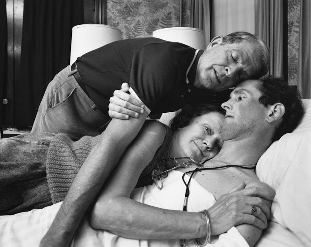 1987_aids_patient_robert_sappenfield_and_his_parents_photograph_nicholas_nixon.jpg