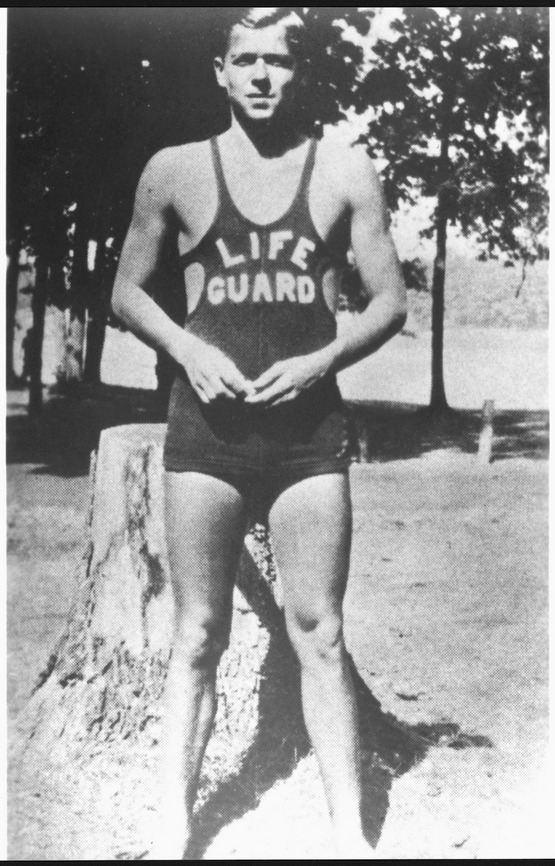 f_1930_ronald_reagan_as_a_lifeguard_lowell_park_illinois_nara_198604.jpg