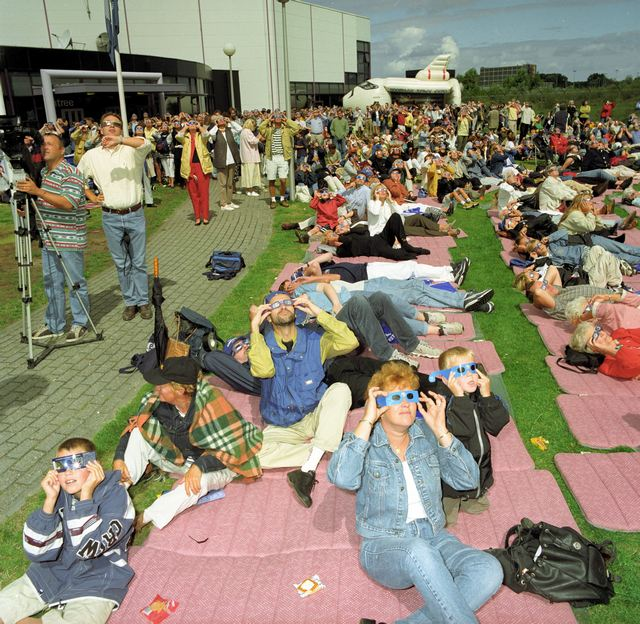 1999_solar_eclipse_event_at_space_expo_gb.jpg