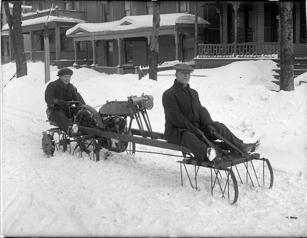 1916_korai_motorosszan_prototipus_usa.jpg