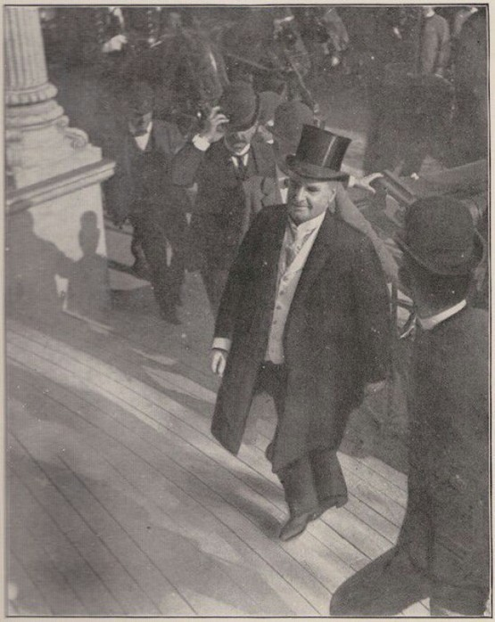 1901_president_william_mckinley_entering_the_temple_of_music_shortly_before_being_assassinated_sep_6.jpg