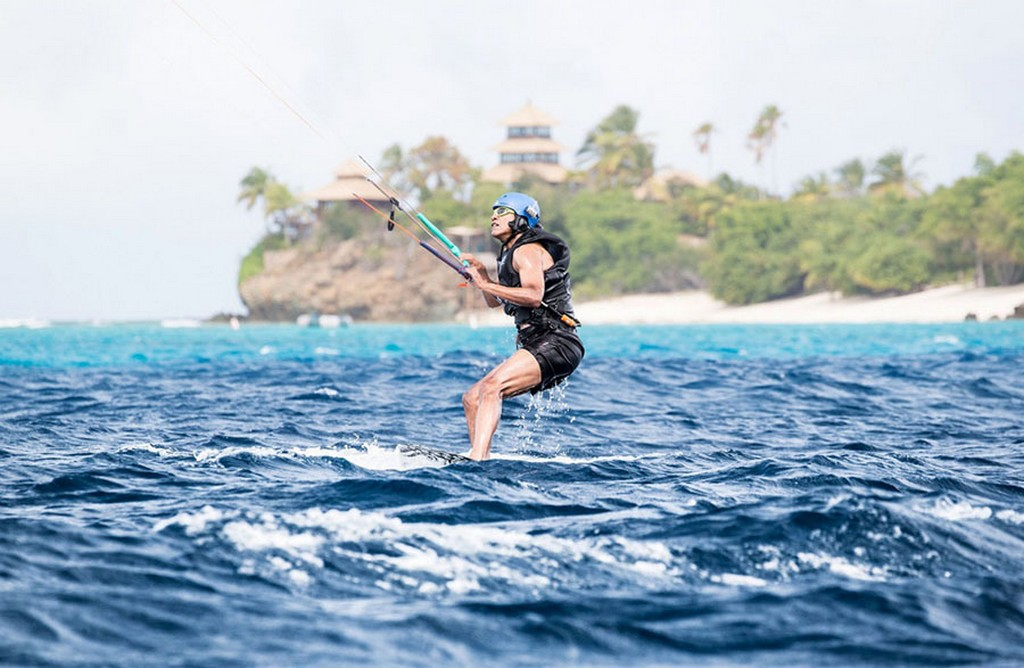 2017_02_07_barack_obama_tries_his_hand_at_kite_surfing_during_a_holiday_with_british_businessman_richard_branson_on_his_island_moskito_in_the_british_virgin_islands.jpg
