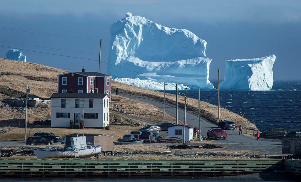 2017_04_16_residents_view_the_first_iceberg_of_the_season_as_it_passes_the_south_shore_also_known_as_iceberg_alley_near_ferryland_newfoundland_canada.jpg