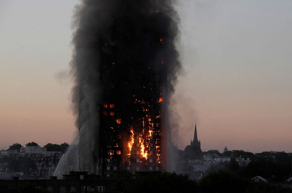 2017_06_14_grenfell_tower_apartment_block_on_latimer_road_in_west_london_england_70_dead.jpg