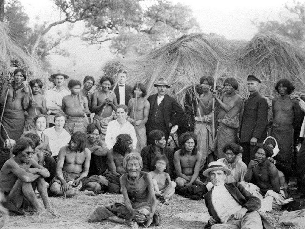 1930_german-speaking_mennonite_refugees_from_the_soviet_union_with_indigenous_neighbors_near_the_fernheim_colony_in_northwest_paraguay.jpg