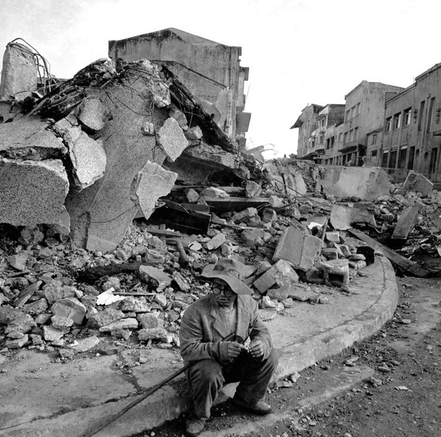 1960_valdivia_chile_after_a_massive_earthquake_rocked_the_city_and_much_of_the_country_killing_over_5_700_people.png