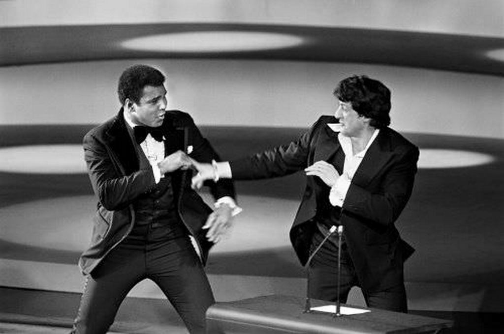 1977_ali_and_stallone_fighting_at_oscars.jpg