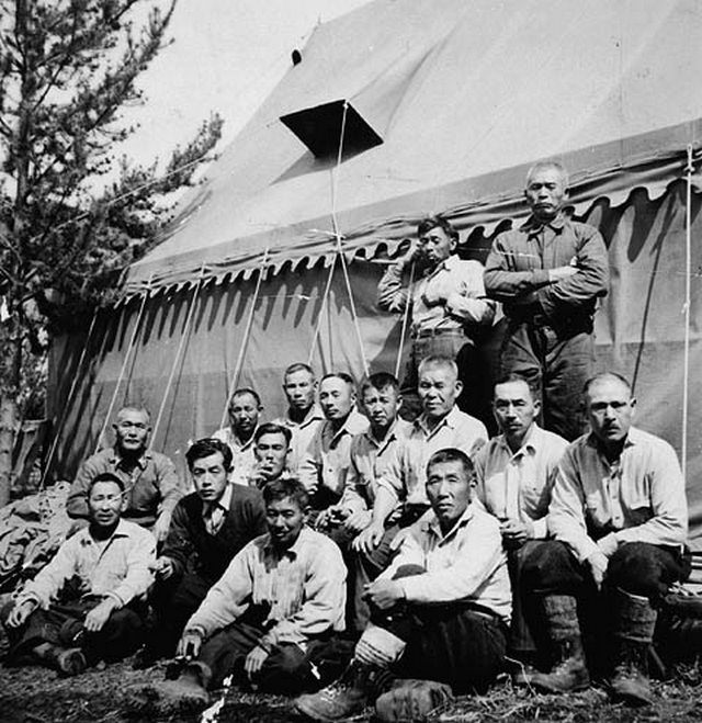 1942_japanese-canadians_living_at_an_internment_camp_while_building_the_yellowhead_highway_in_western_canada.jpg