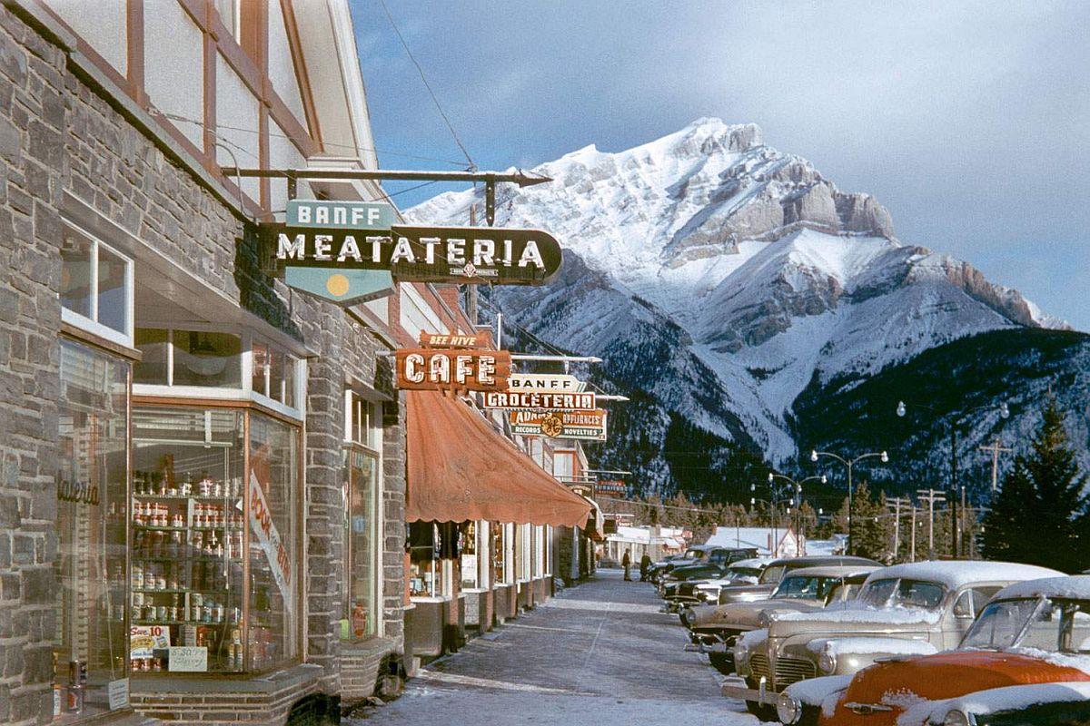 fred-herzog-vancouver-streets-in-1950s-and-1960s-02.jpg