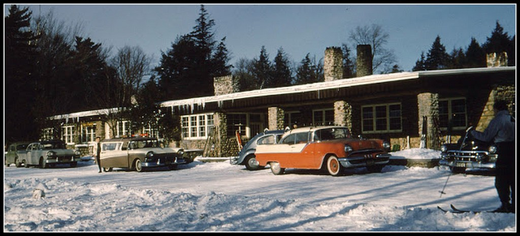 everyday_life_in_canada_during_the_1960s_2823_29.jpg