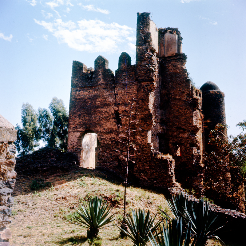 16_samz_ethiopia1964_gondar_fasilides_castle_038.jpg
