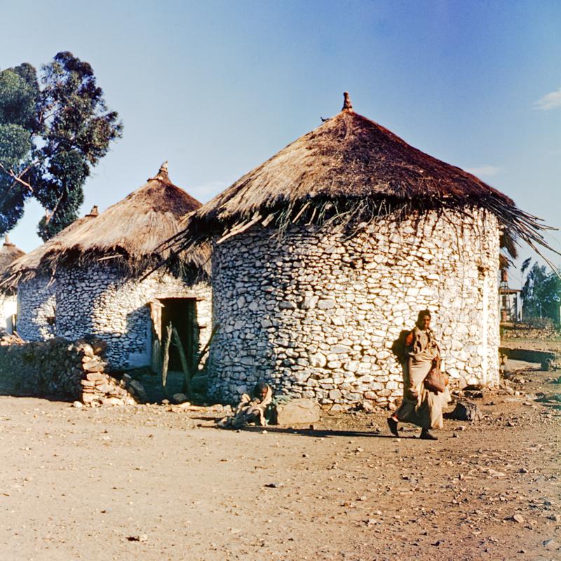 29_samz_ethiopia1964_stone_huts_022.jpg