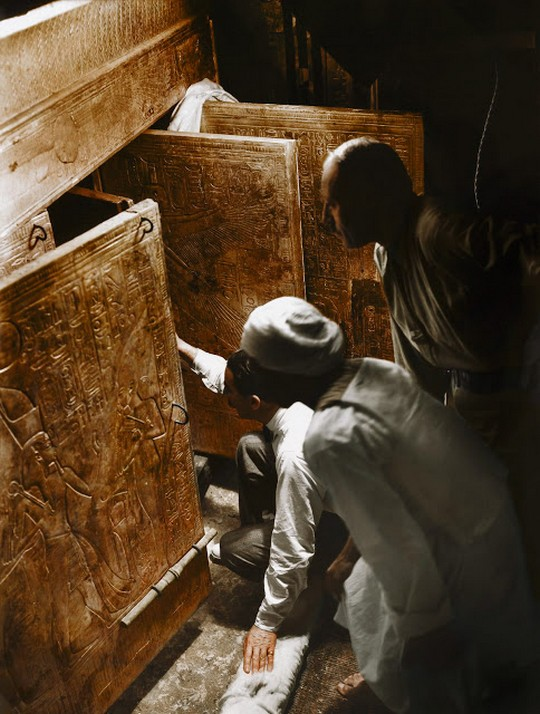 discovering_tutankhamun_in_color_2817_29.jpg