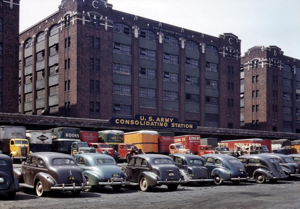 1943_army_freight_depot_chicago.jpg