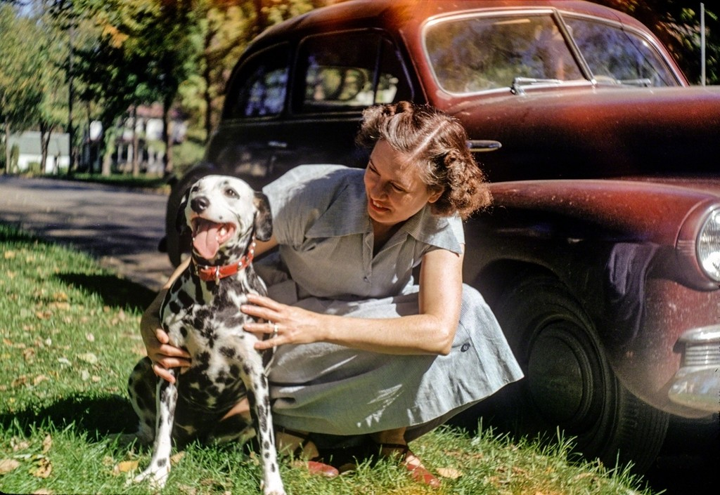 1951_blue_earth_minnesota_dottie_and_sally.jpg