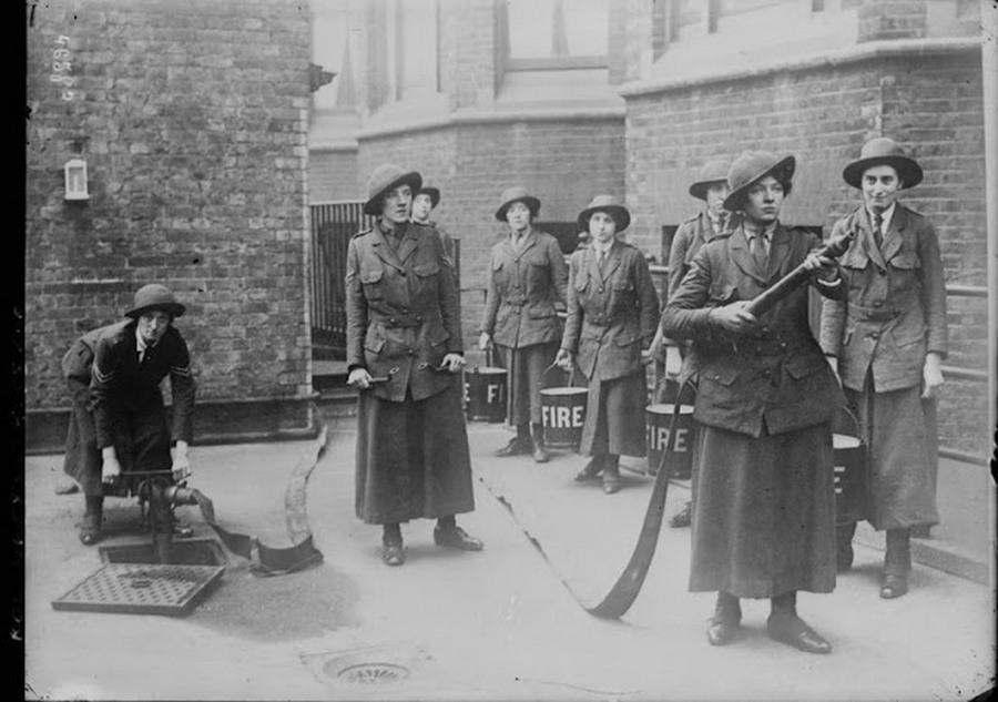 working_women_in_the_first_world_war_05.jpg