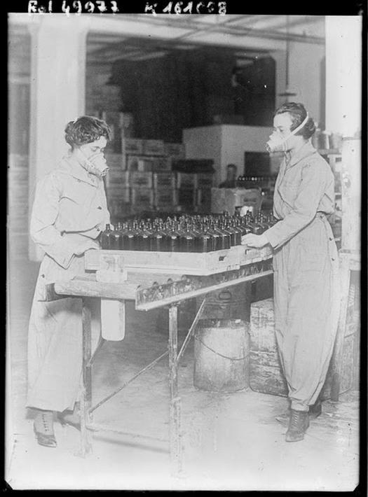 working_women_in_the_first_world_war_06.jpg