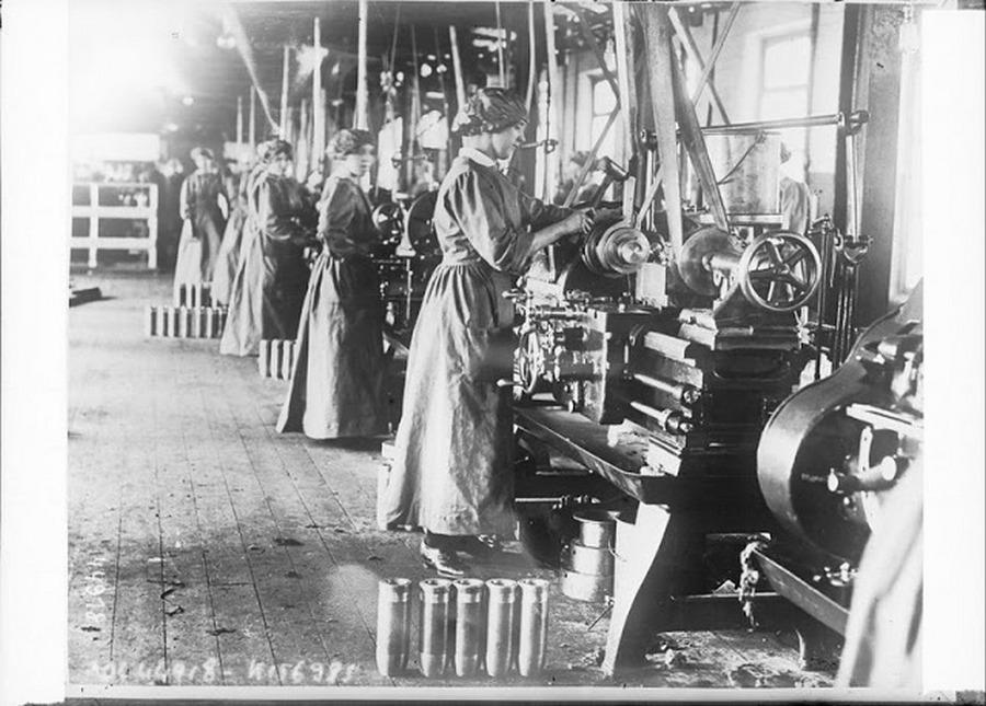 working_women_in_the_first_world_war_09.jpg