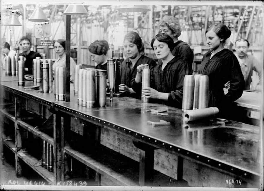 working_women_in_the_first_world_war_11.jpg