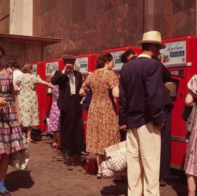 vintage-vending-machines-16.jpg