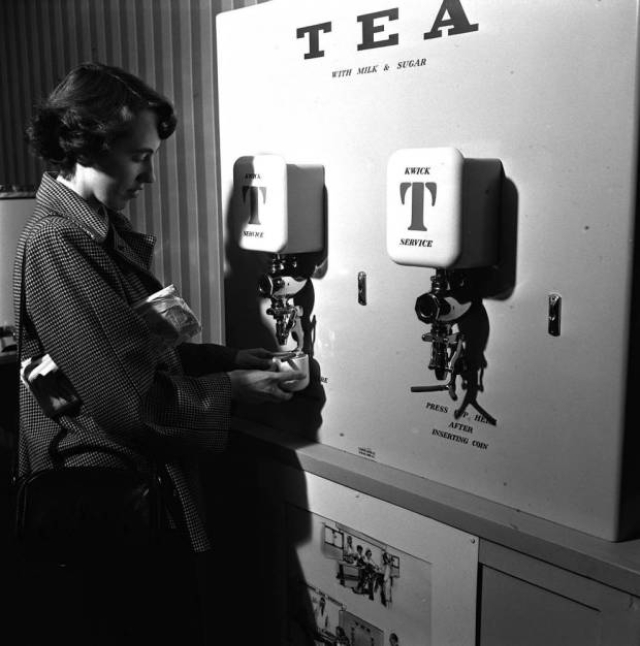 vintage-vending-machines-23.jpg
