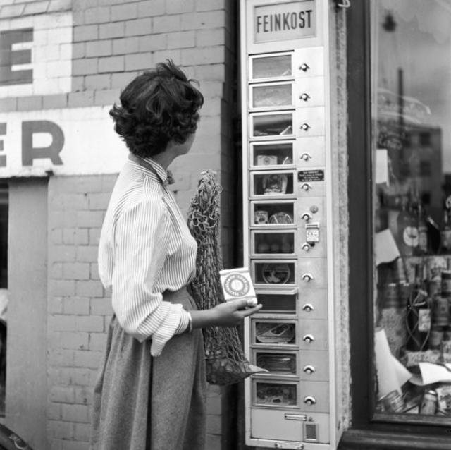 vintage-vending-machines-25.jpeg