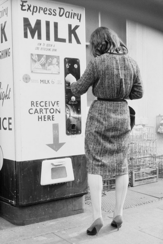 vintage-vending-machines-27.jpeg