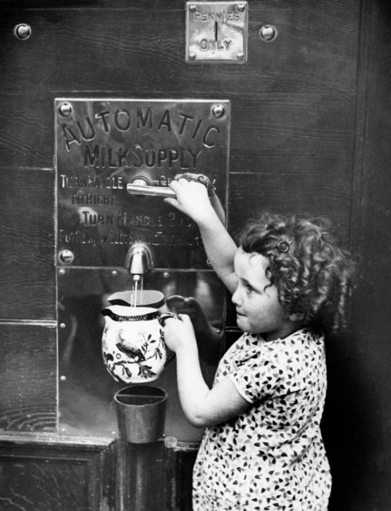 vintage-vending-machines-28.jpeg