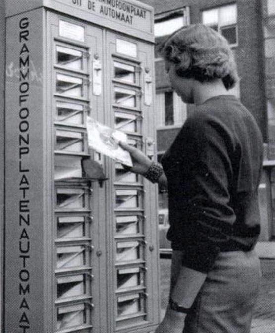 vintage-vending-machines-9.jpg