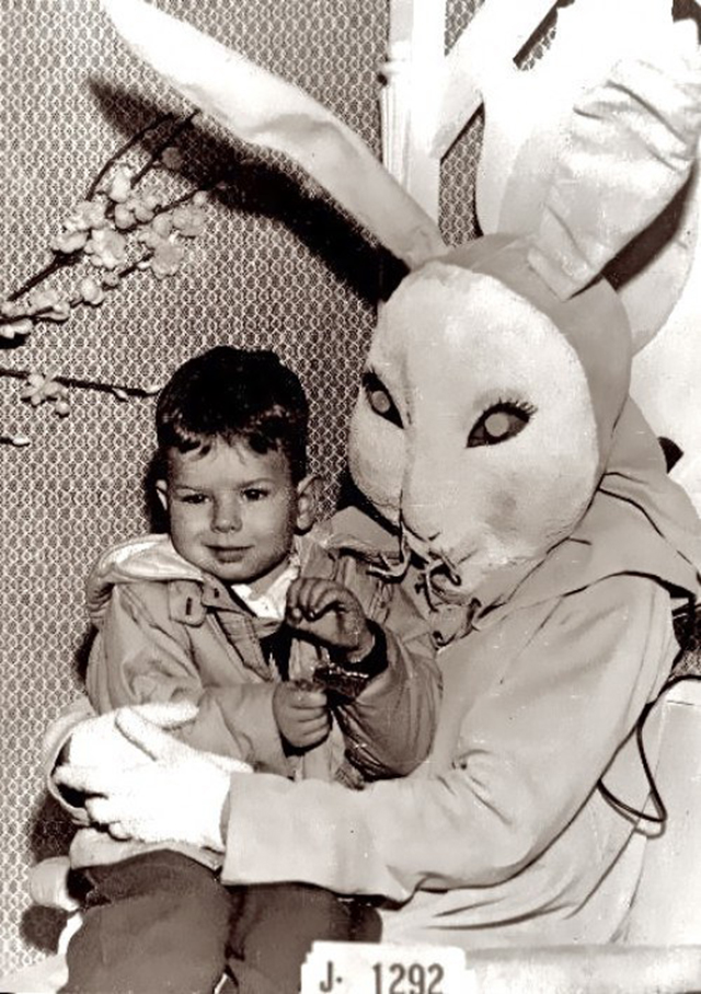 creepy_vintage_easter_bunny_09.jpg