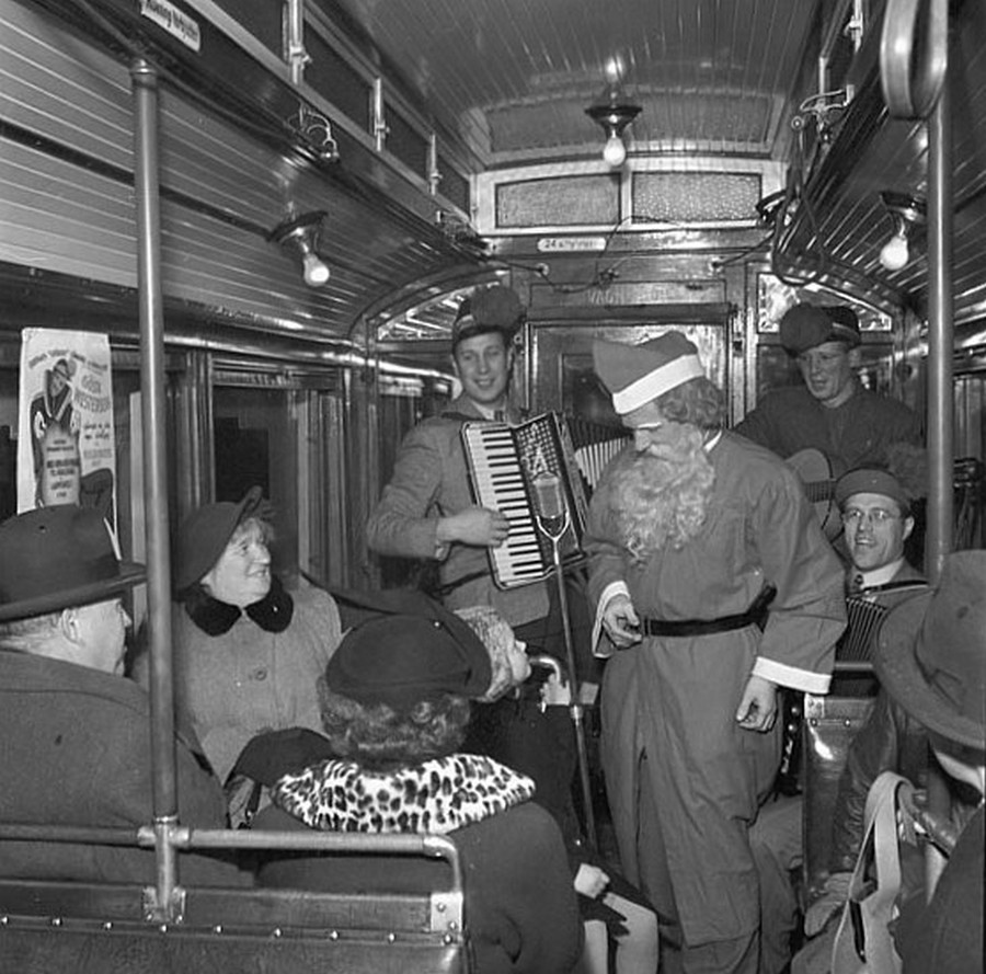jultomten_stockholms_sp_rvagn_1950.jpg