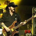 Ez az a dal, amelyen utolsóként énekelt és pengetett Lemmy