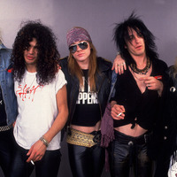 Állítólag napokon belül bejelenthetik a Guns N' Roses újjáalakulását