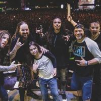 Nézd meg hogyan turnézott a Metallica-basszer 12 éves fia a Kornnal