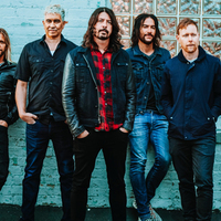 A Foo Fighters is megemelte a kalapját Malcolm Young előtt